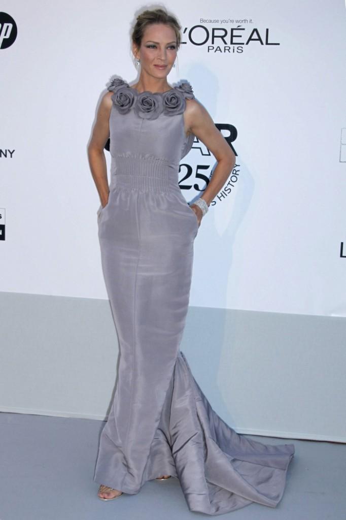 Uma Thurman en robe grise Chanel